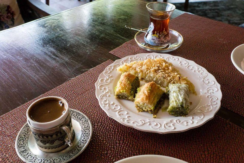 Ephesus, Massapequa Park: Three Turkish desserts for sharing