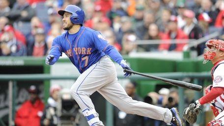 Travis d'Arnaud of the New York Mets singles