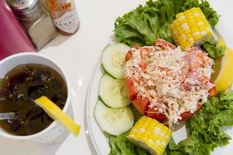 Clam Bar, Amagansett: The eatery's excellent lobster roll