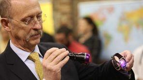 Applied DNA Sciences CEO James Hayward shines UV