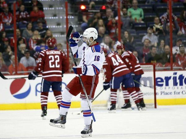 New York Rangers center Derick Brassard celebrates his