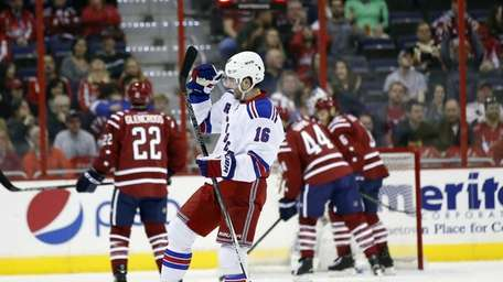 New York Rangers center Derick Brassard celebrates his