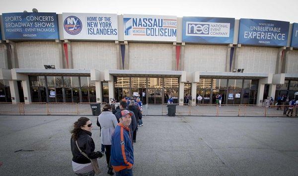 Islander fans entering Nassau Veterans Memorial Coliseum in