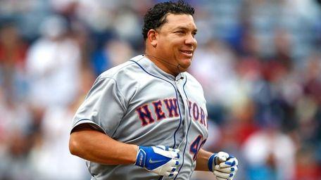 Bartolo Colon of the New York Mets runs