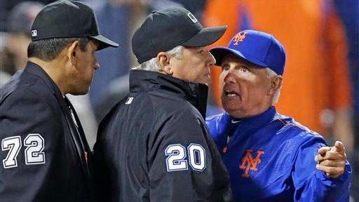 New York Mets manager Terry Collins argues with
