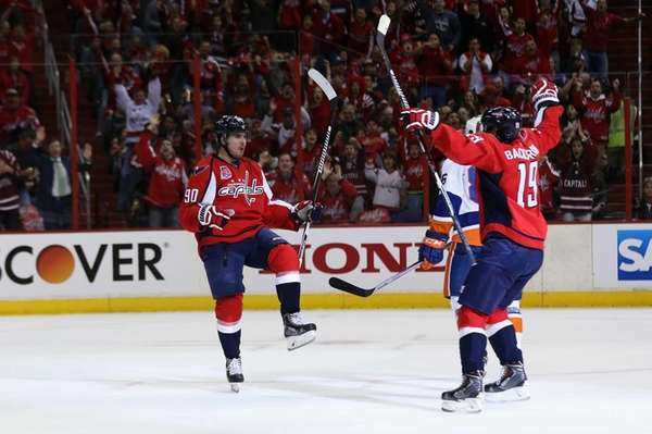 Marcus Johansson of the Washington Capitals celebrates with