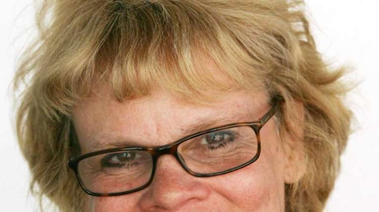 Barbara Strauch, a former Newsday editor, has died