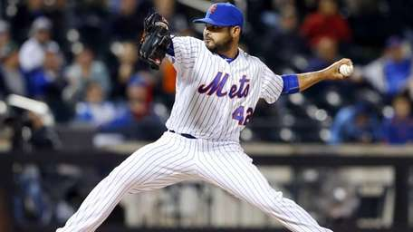 Alex Torres of the New York Mets pitches
