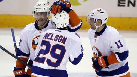 New York Islanders center Anders Lee (27), center