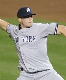 Michael Pinder of the New York Yankees pitches