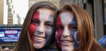From left, Patricia and Sarah Simpson, of Wantagh,