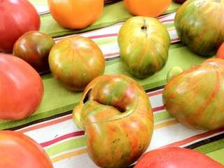 Heirloom tomatoes at the Greenport Farmers Market were