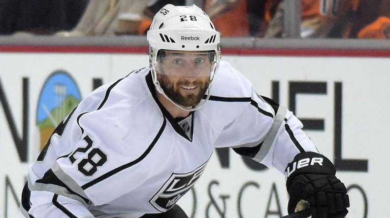 Los Angeles Kings center Jarret Stoll skates with