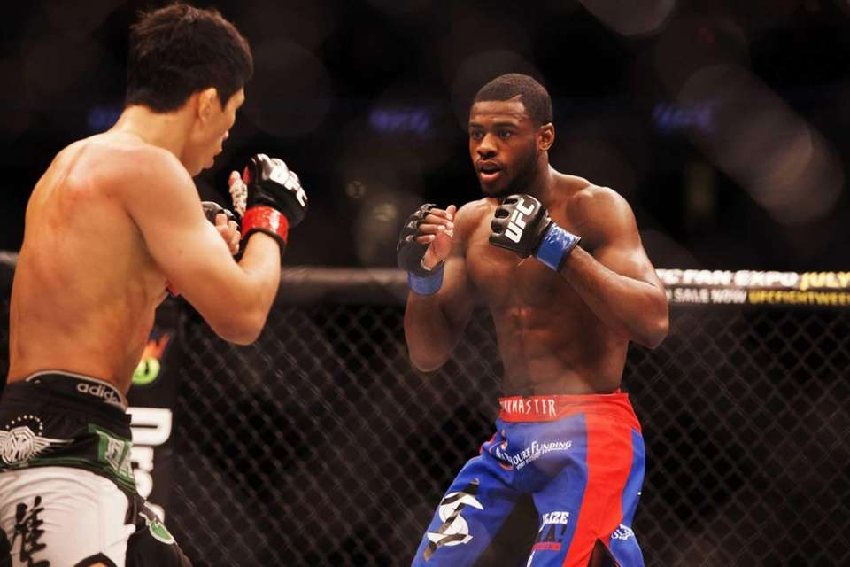 Aljamain Sterling defeats Takeya Mizugaki to win his