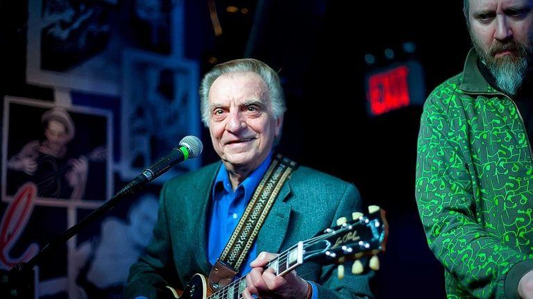 Guitarist Lou Pallo of the Les Paul Trio