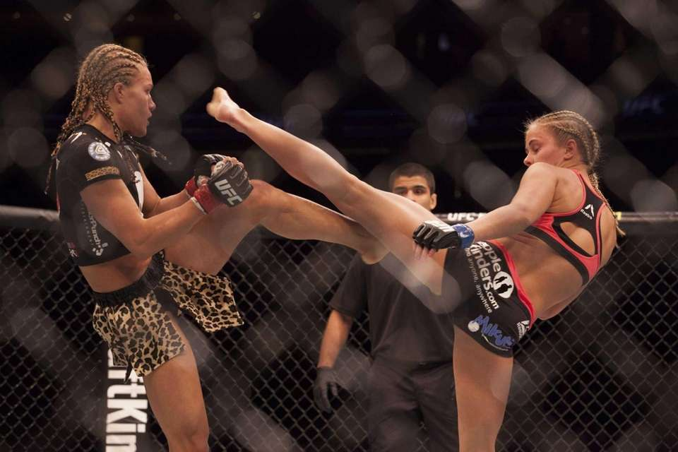 Paige VanZant defeated Felice Herrig by unanimous decision