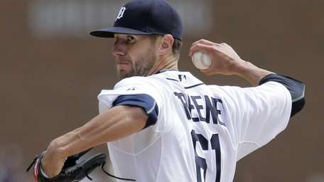 Detroit Tigers pitcher Shane Greene delivers a pitch