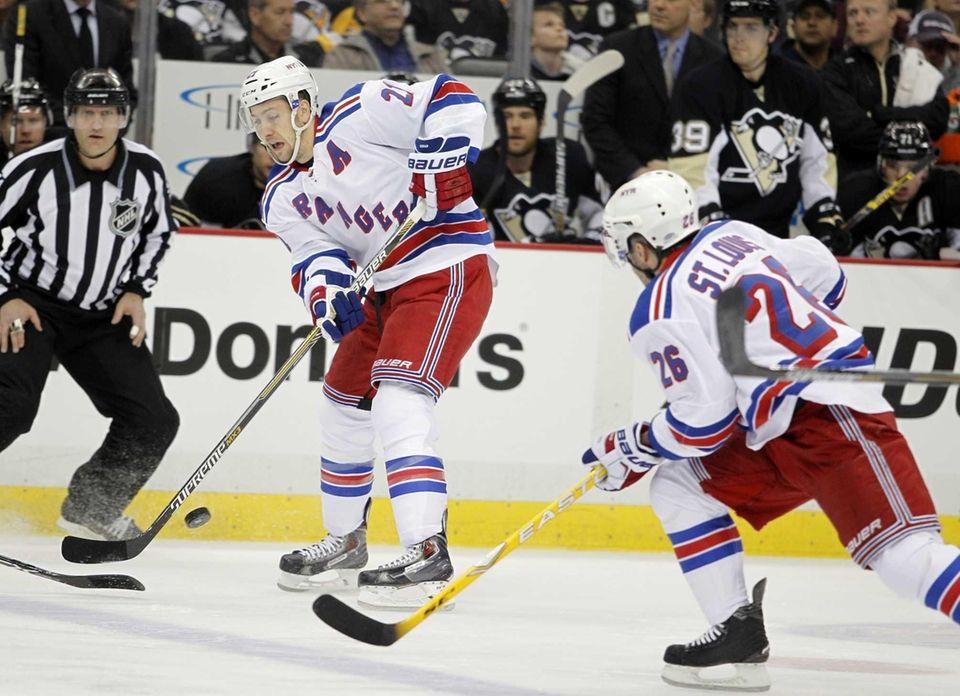 Derek Stepan of the New York Rangers makes