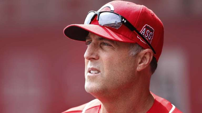 Cincinnati Reds manager Bryan Price looks on during