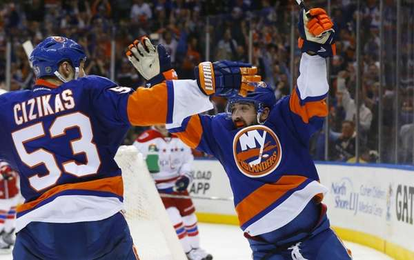 Cal Clutterbuck of the New York Islanders celebrates