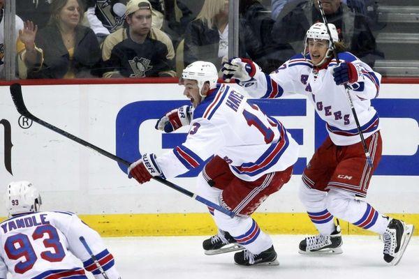 New York Rangers' Kevin Hayes celebrates his game-winning