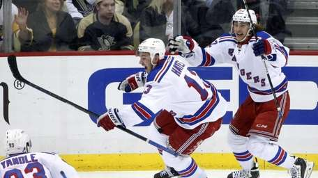New York Rangers' Kevin Hayes celebrates his game-winning