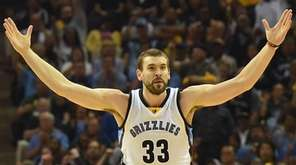 Marc Gasol #33 of the Memphis Grizzlies reacts