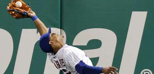 New York Mets centerfielder Juan Lagares makes a