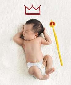 Free diapers for babies born on the same