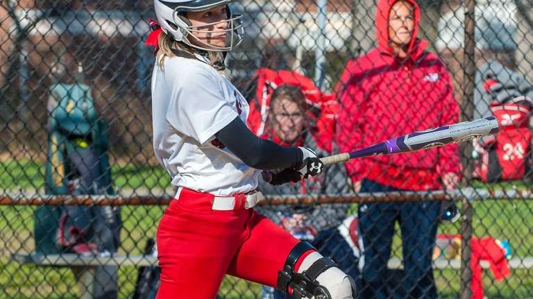 Sacred Heart's Anna Shamroth watches the flight of