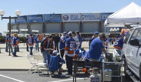 New York Islanders fans show their team pride