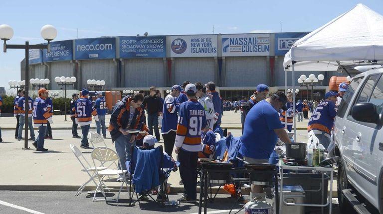 New York Islanders fans show their team pride