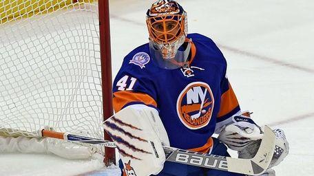 New York Islanders goalie Jaroslav Halak makes a