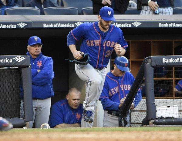 New York Mets starting pitcher Matt Harvey runs
