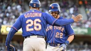 New York Mets first base coach Tom Goodwin