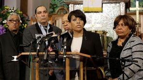 Baltimore Mayor Stephanie Rawlings-Blake speaks in front of