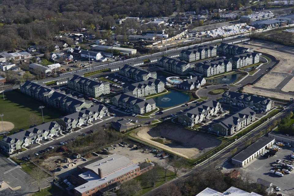 The Avalon Huntington Station apartments are located at