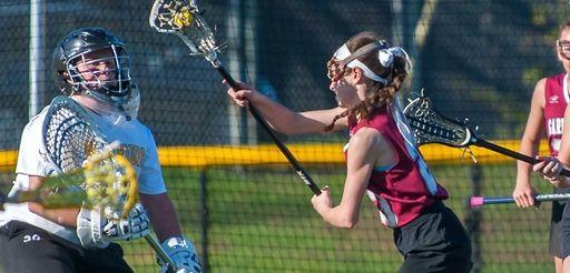 Garden City's Jenn Medjid scores the go-ahead goal
