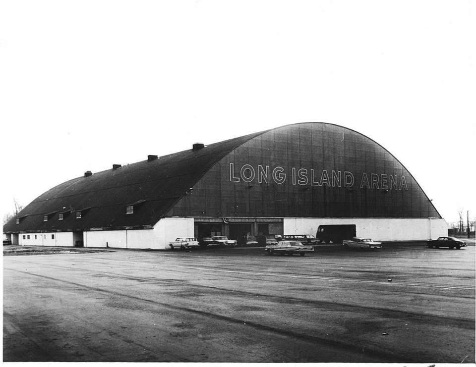 The Long Island Arena (Commack): The minor-league hockey