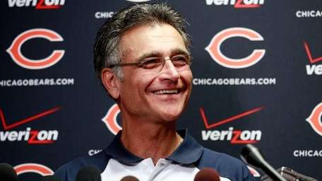 Chicago Bears general manager Jerry Angelo speaks at