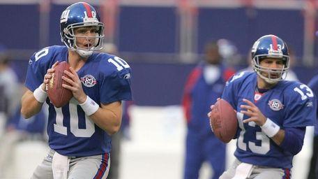 Eli Manning and Kurt Warner of the Giants