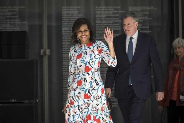 First Lady Michelle Obama and Mayor Bill de