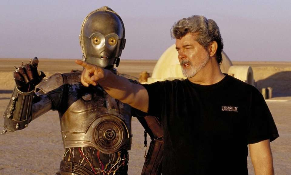 C-3PO actor Anthony Daniels makes a cameo appearance