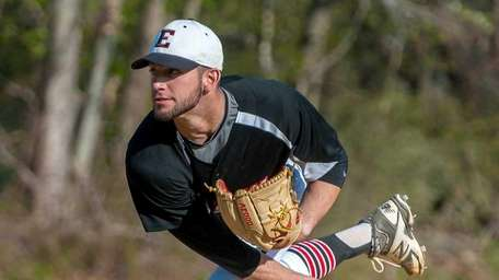 Half Hollow Hills East starting pitcher Brandon Bonomo