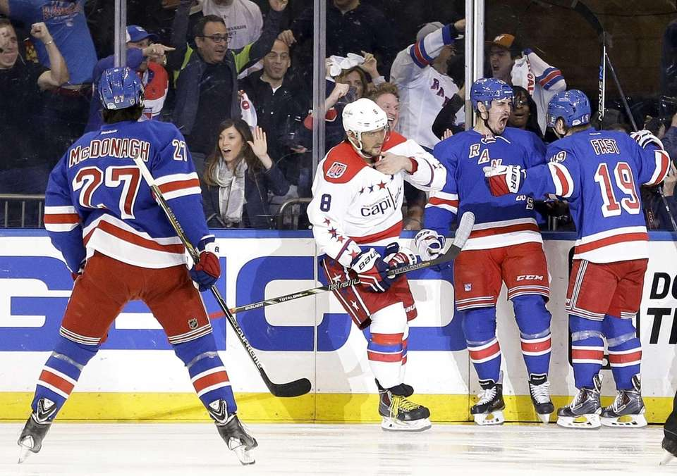 Rangers left wing Chris Kreider, second from right,