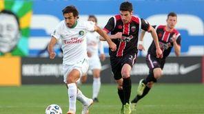 New York Cosmos forward Raul controls the ball
