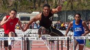 Farmingdale's Michael Outing, wins the first heat of