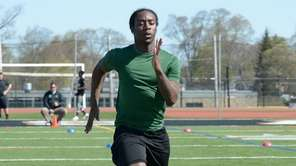 Elmont's Aston Brown Jr. runs a 4.62 40-yard