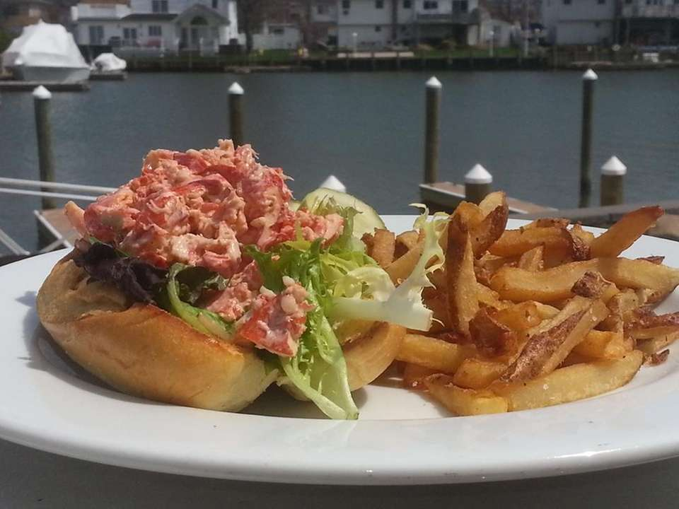 Smuggler Jack's, Massapequa: At this spot, secreted away