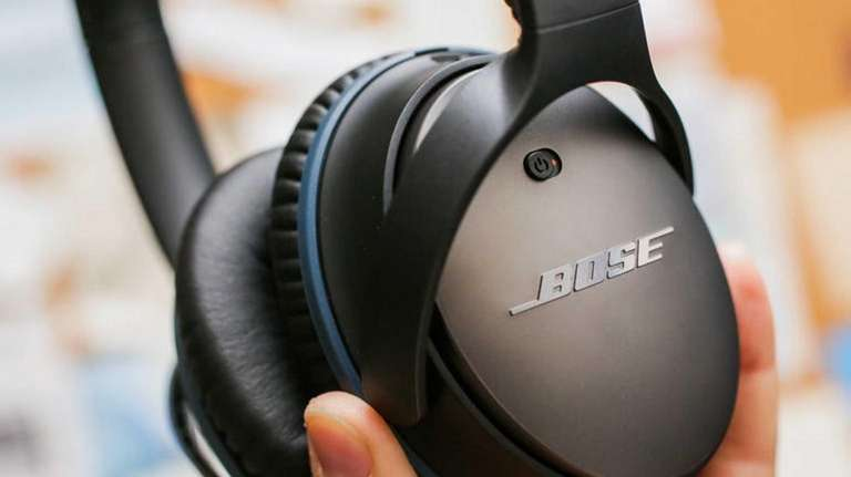 Cnet has picked Bose QuietComfort 25 noise-canceling headphones